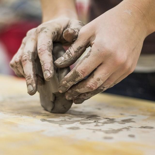 Ceramic Pottery Studio Clay Handbuilding Wheel
